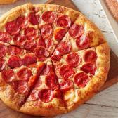 ¡Pizza Hut celebra a los graduados del 2020 regalándoles pizza gratis!