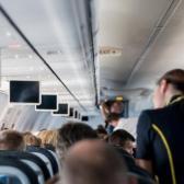 Investigan a azafata que ofrecería servicios sexuales en avión