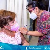 Continúa vacunación de personal de primera línea y segunda línea de atención a la pandemia
