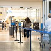 Walmart implementa nueva medida de sana distancia entre compradores