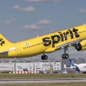 Aterriza primer vuelo internacional en Colombia tras restricciones de Covid-19