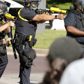 Gregory Abbott declara estado de emergencia luego de violentas protestas