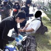 Captan a Halsey y Yungblud curando a heridos en protestas en Los Ángeles