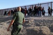 Encuentran a 60 inmigrantes indocumentados en un hotel de McAllen