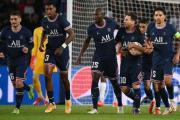 Con doblete de Messi, el PSG vence al Leipzig