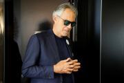 Andrea Bocelli dona su plasma para investigación tras tener coronavirus