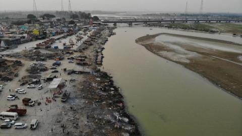 Aparecen cadáveres a orillas del Ganges en la India