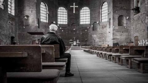 Sacerdote que abuso de 8 niños, es sancionado, ya no podrá oficiar misa