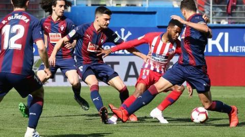 Atlético de Madrid sufre vence por la mínima a Eibar