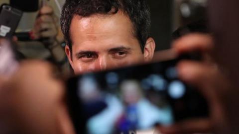 Sorpresiva visita de Guaidó se roba el show del 'Venezuela Aid Live'