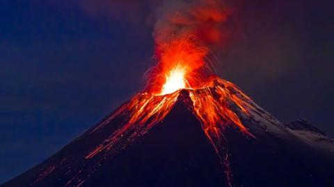 Explota volcán Merapi en Indonesia