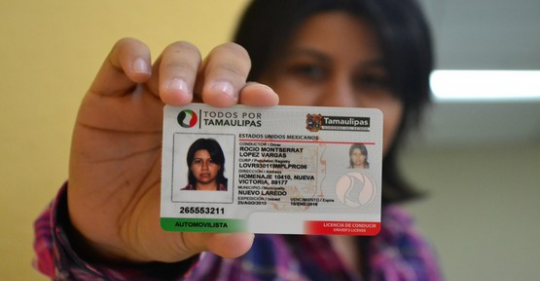 Habitantes se quejan por falta de material para licencias