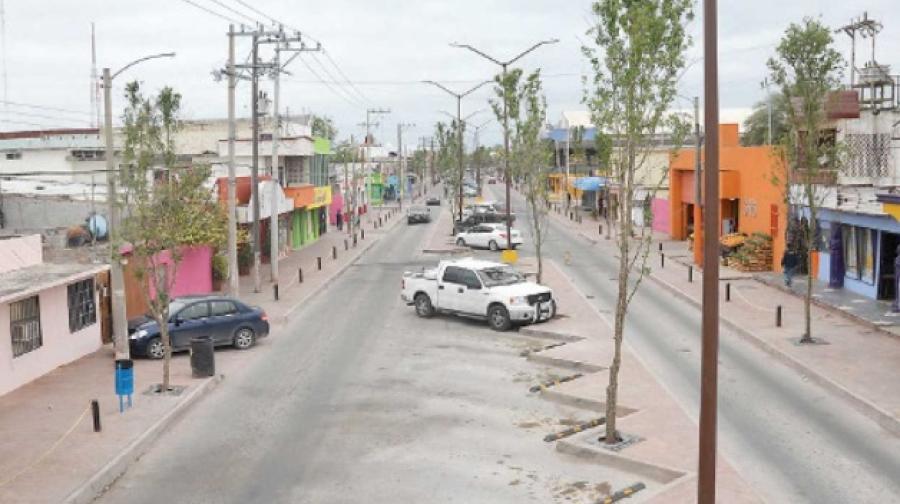 Urgen comerciantes terminen obra de calle San Luis
