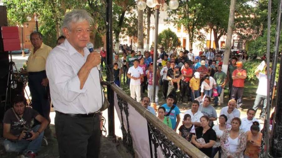 Continúa AMLO su gira de trabajo por la Huasteca Potosina