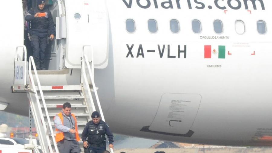 Volaris activa protocolo de seguridad por falsa alarma de bomba