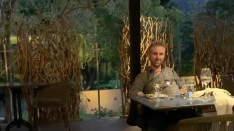 Mesera corre a hombre de restaurante por ofender a familia de extranjeros en EU