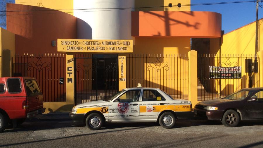 Reprueban venta de concesiones a taxistas