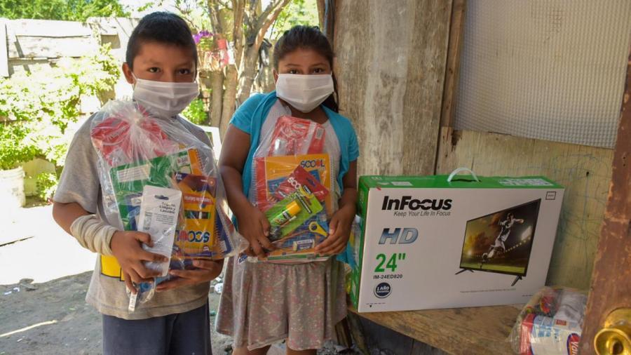 Sistema DIF Reynosa apoya a menores para que continúen con sus estudios
