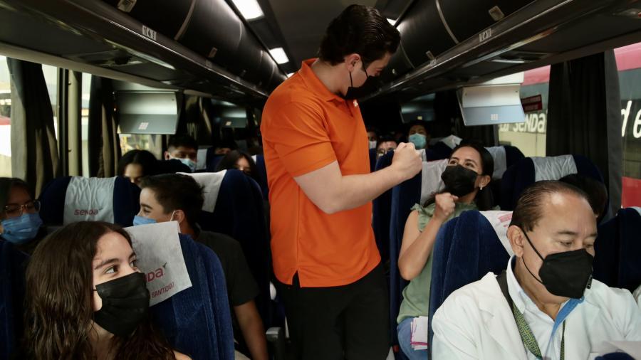Arranca vacunación de menores de 18 años de Nuevo León en McAllen, Mission e Hidalgo