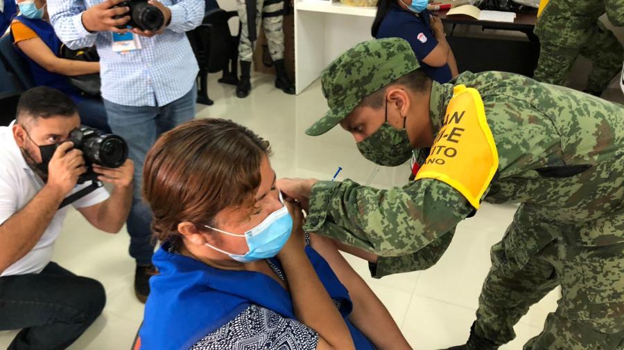Reynosa, Matamoros y Nuevo Laredo extenderán vacunación hasta 5:00 a. m.
