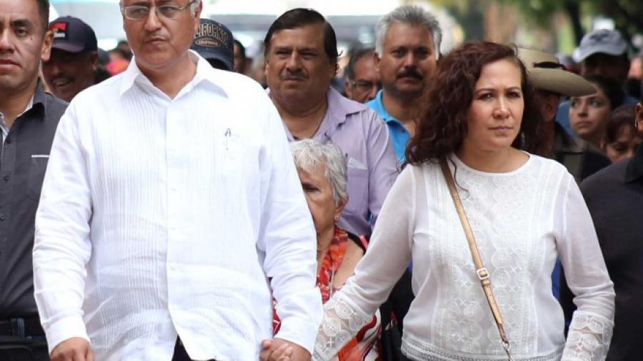 Confirman secuestro de exrector de la UAEM y su esposa