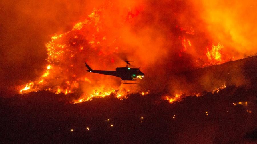 Suman 12 muertos por incendios forestales en California
