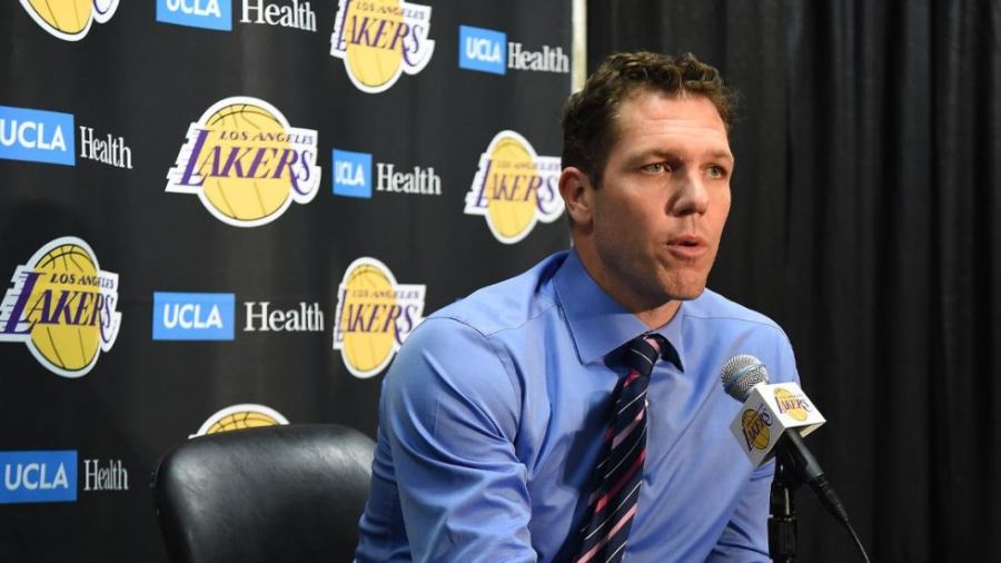 Deja Luke Walton dirección técnica de los Lakers