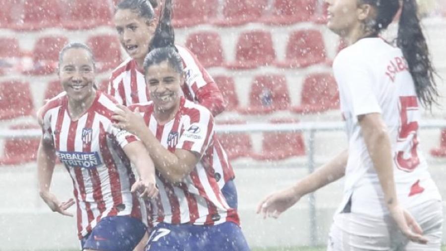 Atlético de Madrid vence 3-0 al Sevilla y Charlyn Corral se estrena con gol