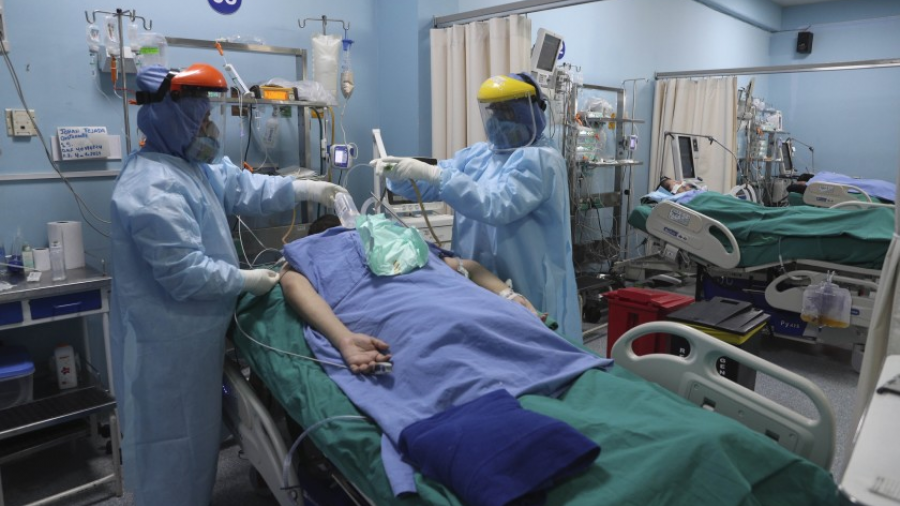 OMS avala costoso tratamiento de Regeneron para ciertos casos de Covid-19