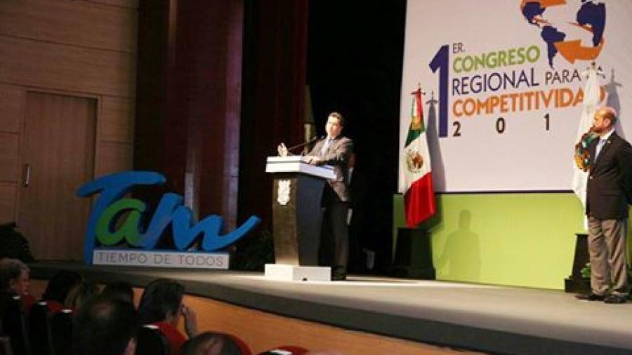 Inaugura Gobernador Congreso Regional para la Competitividad