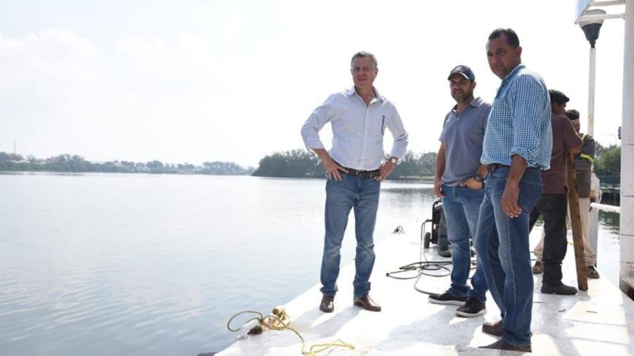Alcalde supervisa trabajos en parque metropolitano de la Laguna del Carpintero