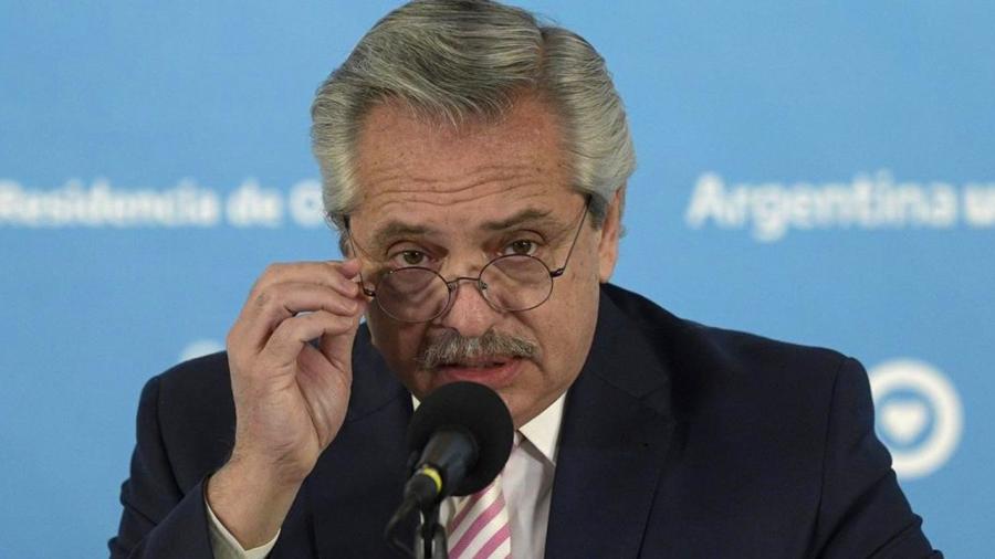 Presidente de Argentina dice que mexicanos salieron de los 'indios', brasileños de 'la selva' y ellos de Europa