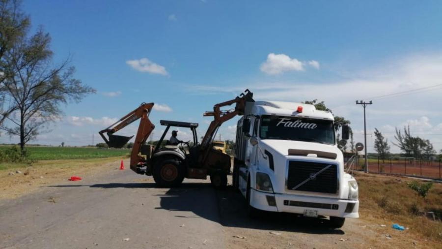 Realizan labores de limpieza y mantenimiento de áreas verdes de la zona rural