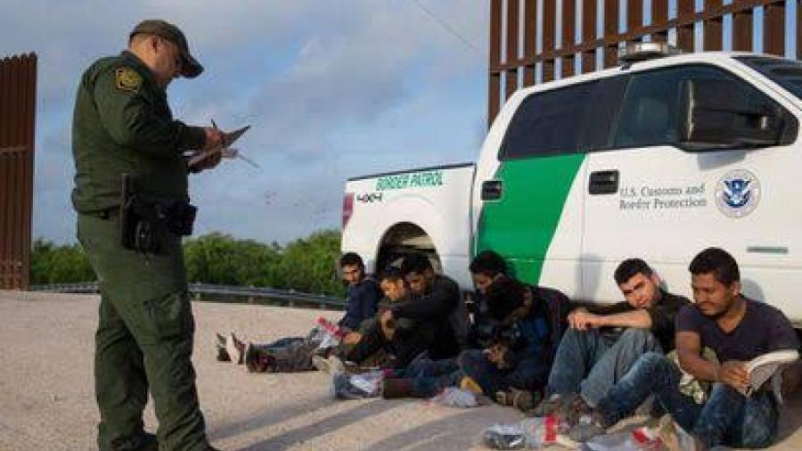 Corte de apelaciones permitió la vigencia de la selección sobre quién debe ser deportado