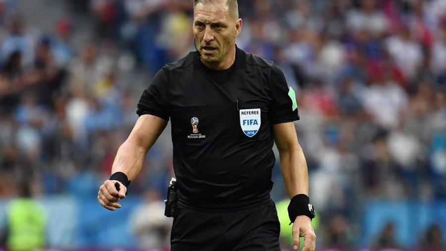 FIFA confirma a Néstor Pitana como árbitro de la final del Mundial