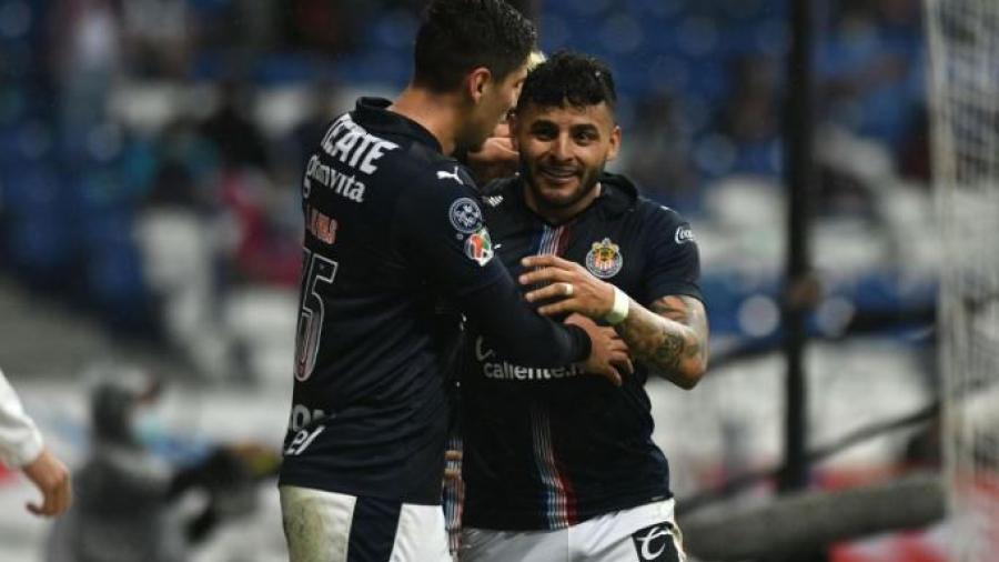 Vence Chivas 2-1 a Rayados en su visita al BBVA