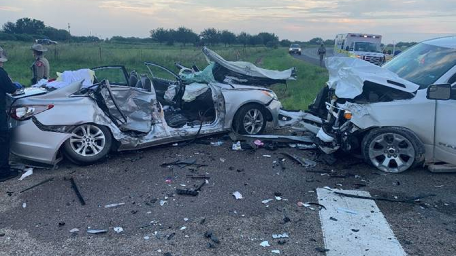 Fallecen dos menores en accidente vehicular en Edinburg