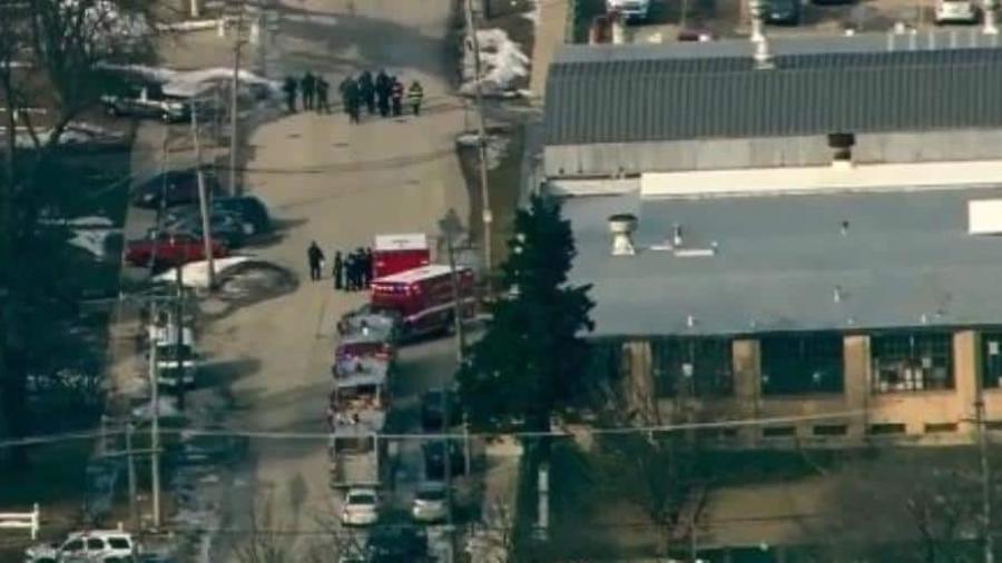 Deja cinco muertos y seis heridos el tiroteo en Aurora, Illinois