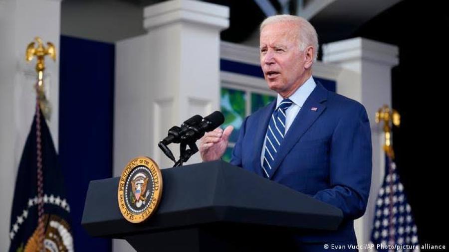 Joe Biden pone fin a arrestos masivos de migrantes en lugares de trabajo