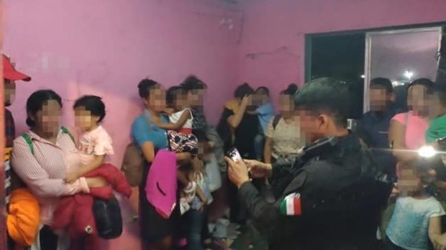 Aseguran a 50 inmigrantes en Díaz Ordaz; 18 son menores de edad