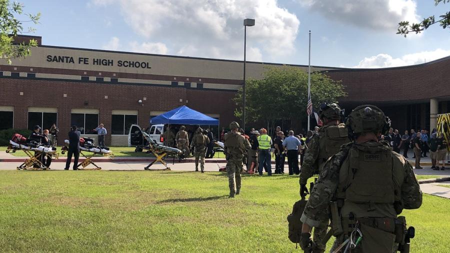 Se registra tiroteo en la escuela Santa Fe de Texas; hay un detenido