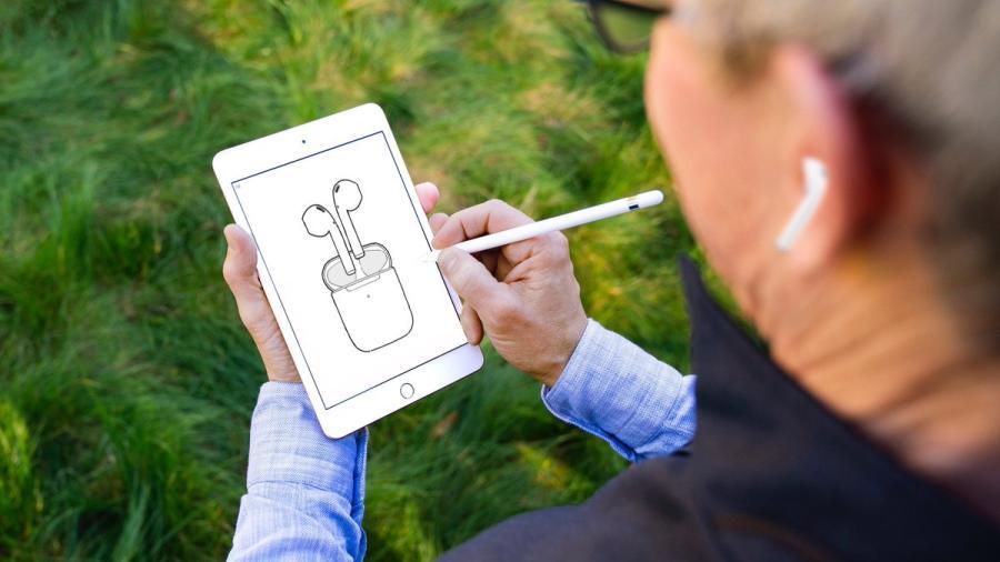 Apple presenta los nuevos AirPods con carga inalámbrica