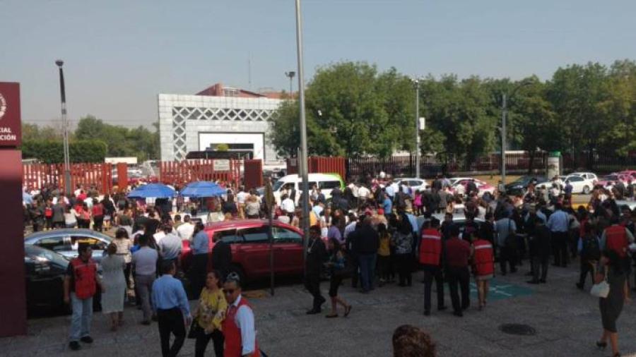 Desalojan San Lázaro por presunta amenaza de bomba