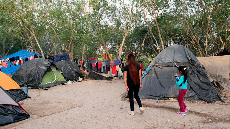 Niegan entrada a Brownsville a solicitantes de asilo