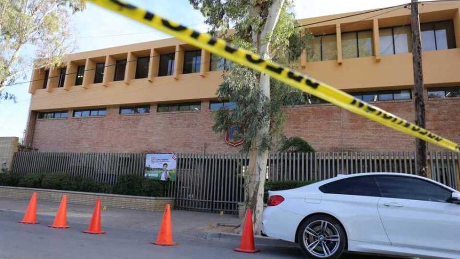 Detienen a abuelo del menor que abrió fuego en colegio de Torreón