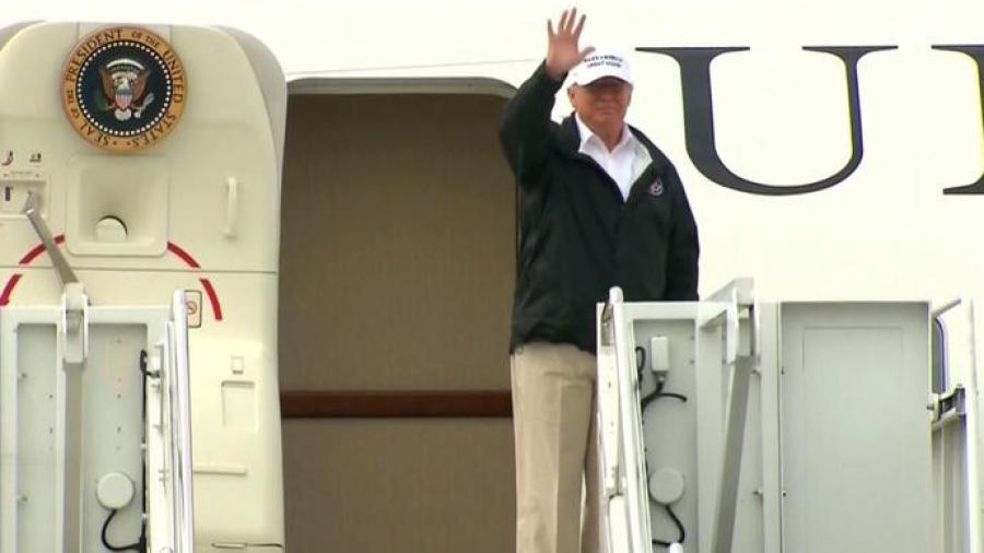 Aterriza Donald Trump en el aeropuerto de McAllen