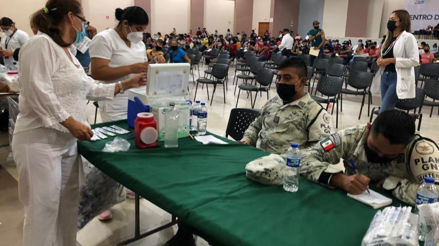 Se aplican en Nvo. Laredo un total de 106 mil 175 dosis de vacunas Covid-19 durante la jornada de vacunación a personas de 18 a 39 años