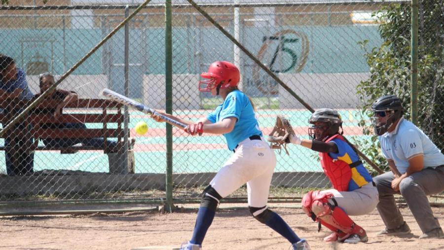 Termina UAT participación en softbol
