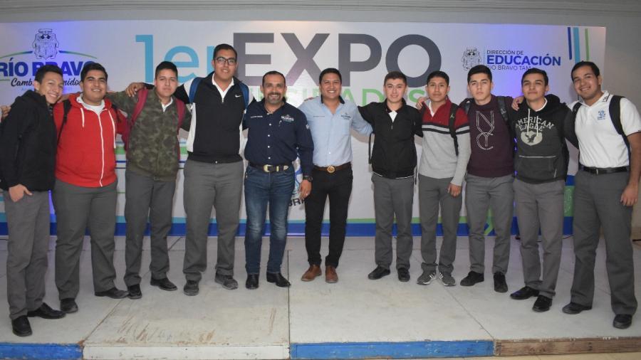 Asisten más de mil jóvenes a Expo Universidades en Río Bravo.