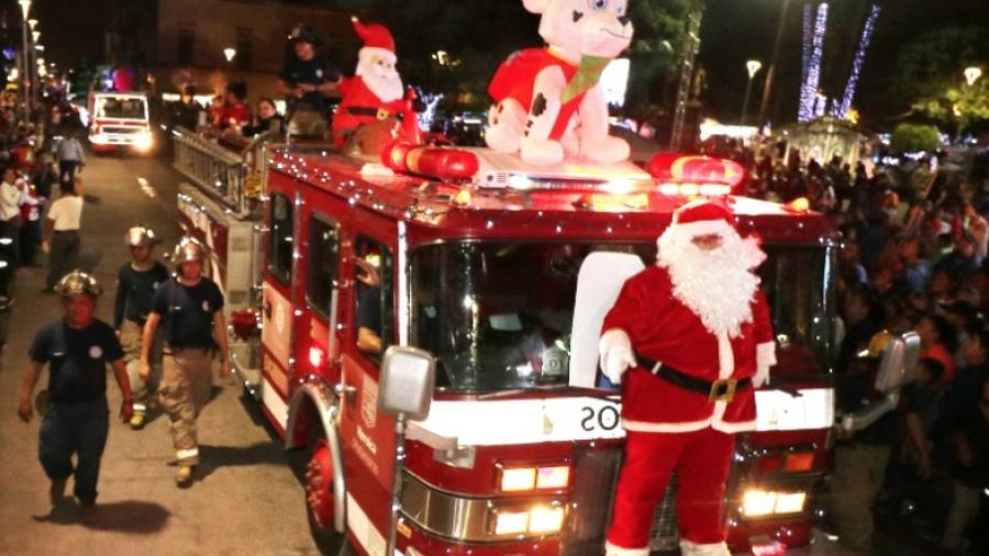 """Invitan Mario  y Marsella a encendido  de árbol y desfile """"Amor a la Navidad"""""""